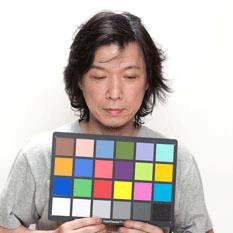 写真の色はカラーバランスによって色が変わるので正確なカラーチャートを持っている