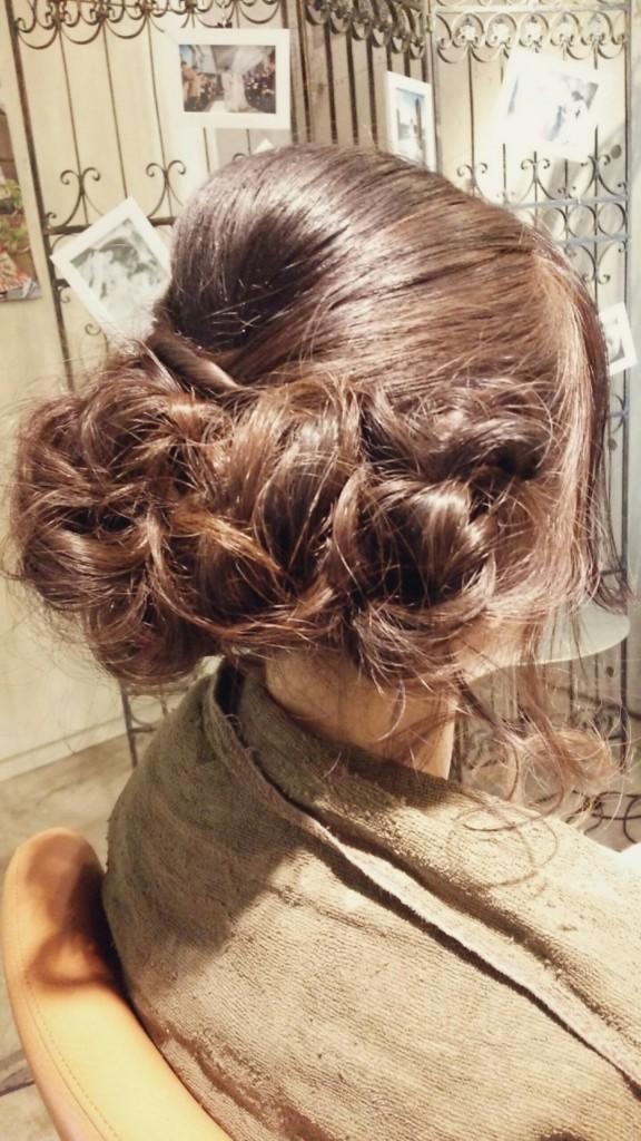 1月17日記事「ウエディングヘア」画像-2
