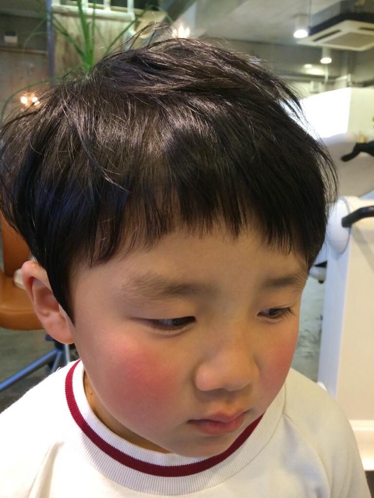 2月28日記事「卒園の集合写真の前に」男の子カット1