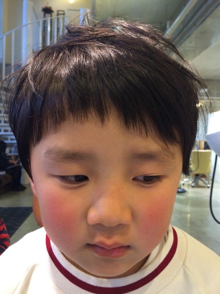 2月28日記事「卒園の集合写真の前に」男の子カット3